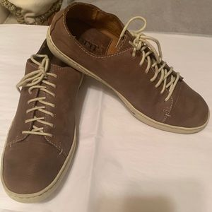 Born brown leather men's sporty shoes
